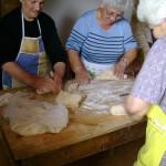Ζυμωμα Ψωμιού (8)